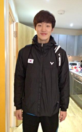 Shin Beak Choel dropping off rackets